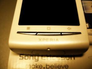 Sony Ericsson Xperia X8 (2)