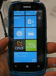 Nokia-Lumia-610-Hands-on-07