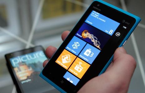 Nokia Limia 900 продается просто великолепно