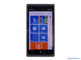 Nokia-Lumia-900-Review-06-screen