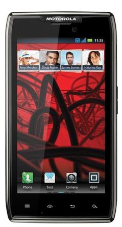В мае начнутся прордажи смартфона Motorola RAZR Maxx на европескойм рынке