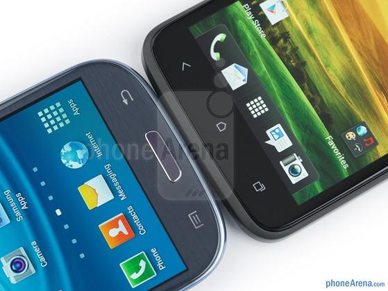 Samsung-Galaxy-S-III-vs-HTC-One-X-04